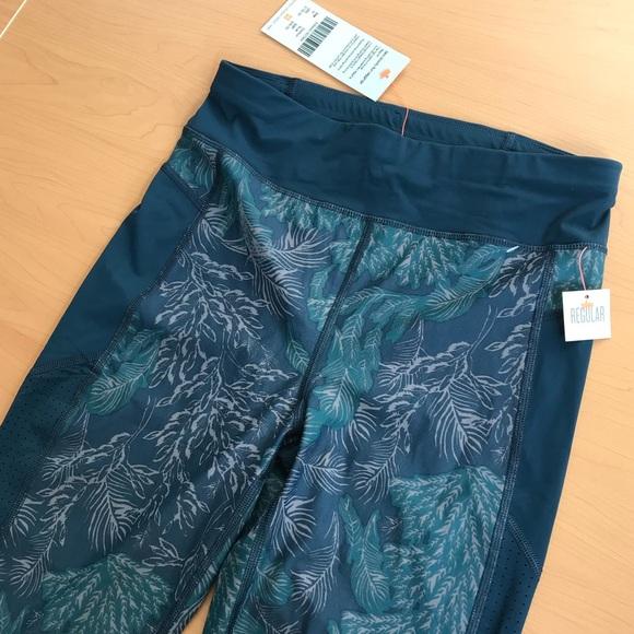 55f98d8aae8c4 Sweaty Betty Pants -  NEW   135 SWEATY BETTY Zero Gravity Run Leggings